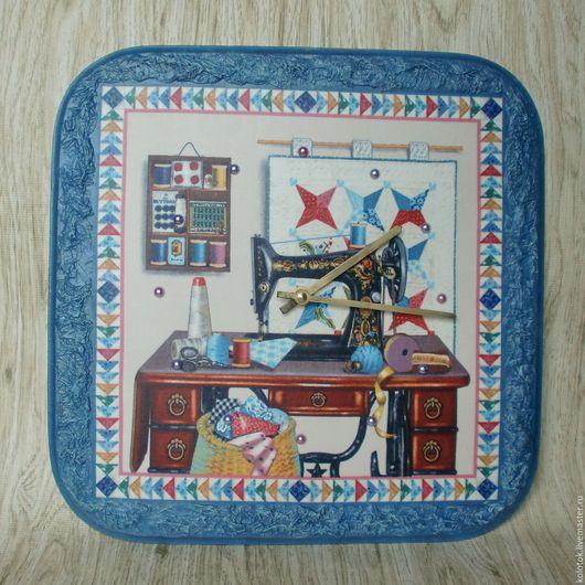 """Часы для дома ручной работы. Ярмарка Мастеров - ручная работа. Купить Часы """"Рукодельный уголок"""". Handmade. Часы настенные, зингер"""