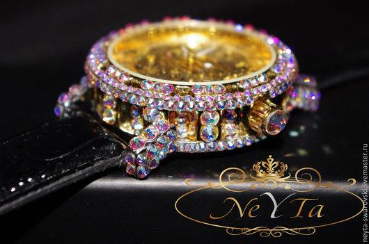 """Часы ручной работы. Ярмарка Мастеров - ручная работа. Купить Часы, инкрустированные кристаллами """"Swarovski"""".. Handmade. Часы, подарок"""