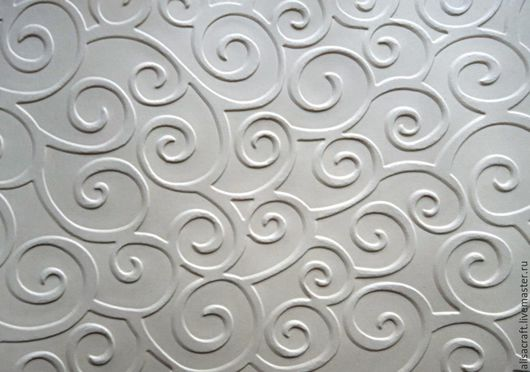 Бумага `Крем`.  Плотность - 160 г. Цена - 5 руб. за лист. На фото - пример качества тиснения бумаги `Крем`.