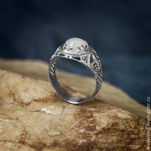 """Кольца ручной работы. Ярмарка Мастеров - ручная работа. Купить Кольцо """"Снежная Королева"""". Handmade. Белый, лунный камень, цветок"""