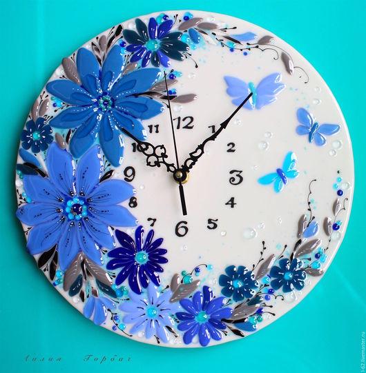 Часы для дома ручной работы. Ярмарка Мастеров - ручная работа. Купить фьюзинг, часы из стекла   Апрельский снег. Handmade. Голубой