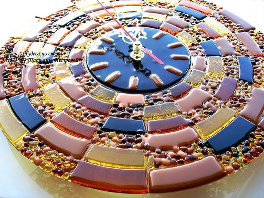 Часы для дома ручной работы. Ярмарка Мастеров - ручная работа. Купить настенные часы ЗЛАТО СКИФОВ, фьюзинг, стекло. Handmade.