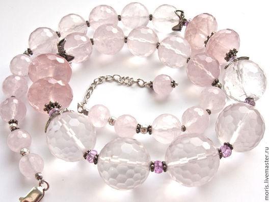 Крупные бусы из розового кварца, серебра и мелких розовых рубинов, бусины розового кварца разного размера, от 20мм до 8 мм, разной прозрачности и насыщенности цвета.