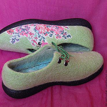 Обувь ручной работы. Ярмарка Мастеров - ручная работа Женские валяные туфли Весна Цветы. Handmade.