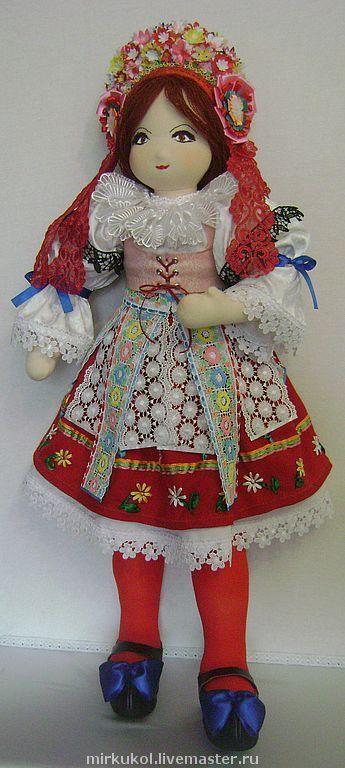 Человечки ручной работы. Ярмарка Мастеров - ручная работа. Купить Кукла в чешском национальном костюме (Чехия). Handmade. Кукла коллекционная