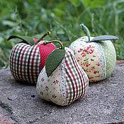 Куклы и игрушки ручной работы. Ярмарка Мастеров - ручная работа Яблочки-игольницы. Handmade.