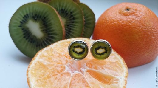 """Серьги ручной работы. Ярмарка Мастеров - ручная работа. Купить Серьги """"Киви"""". Handmade. Зеленый, стеклянный кабошон, фрукт, летний"""