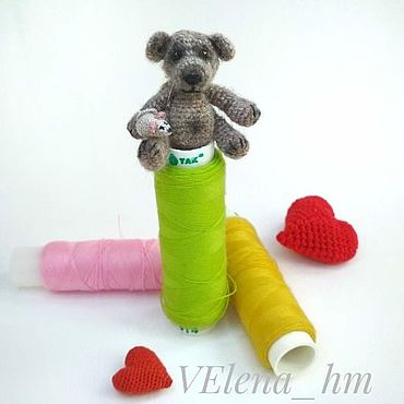 Микро-мишка Гарри 3,5 см. Вязаная игрушка. Амигуруми.