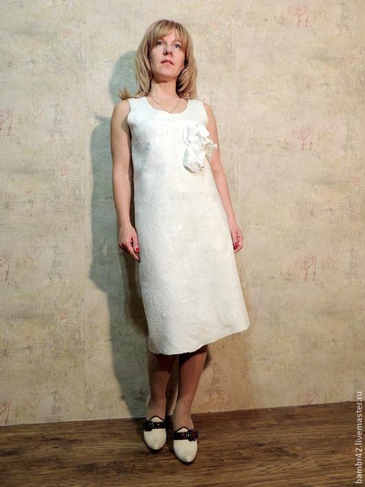 Платья ручной работы. Ярмарка Мастеров - ручная работа. Купить Платье Цветы. Handmade. Белый, валяное платье, шёлковые нити