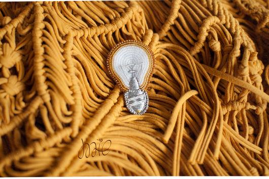 Брошь ручной работы `Light` Автор: Александра Атаманчук