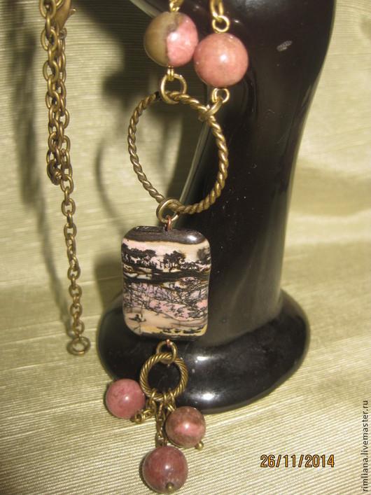 Основа, тон камня - розовый.Фурнитура - бронза.