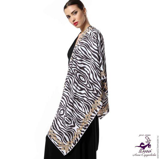 Дизайнер Анна Сердюкова (Дом Моды SEANNA). Дизайнерский шарф в шелке или шифоне с авторским принтом `Зебра в золотой рамке`. Размер шарфа - 45х140 см.  Цена - 3500 руб.