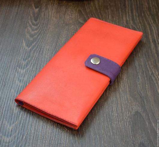 Кошельки и визитницы ручной работы. Ярмарка Мастеров - ручная работа. Купить Кожаный кошелек женский красный с фиолетовым. Handmade.