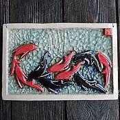 Картины и панно ручной работы. Ярмарка Мастеров - ручная работа Китайские рыбки (керамическое панно). Handmade.