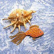 Украшения ручной работы. Ярмарка Мастеров - ручная работа Брошь Золотая рыбка. Брошь из бисера. Handmade.