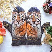 Аксессуары handmade. Livemaster - original item Felted mittens with tigers, tiger mittens. Handmade.