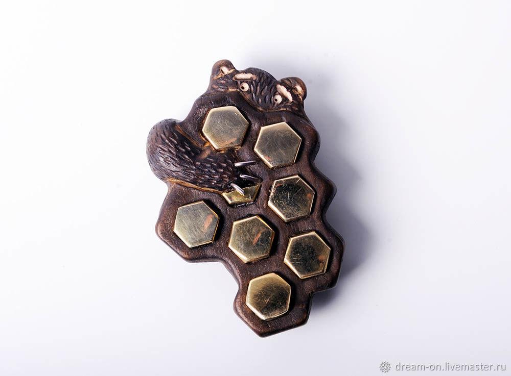 """Броши ручной работы. Ярмарка Мастеров - ручная работа. Купить Брошь """"Мёдоохота или мёда охота"""". Handmade. Медведь"""