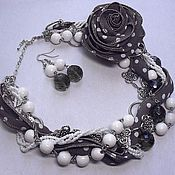 Jewelry Sets handmade. Livemaster - original item Retro polka dots. Kit. Necklace, brooch and earrings.. Handmade.