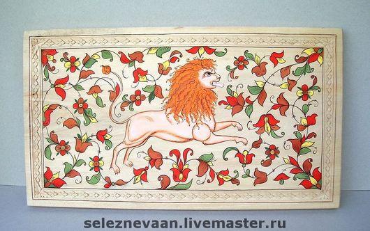 Доска 41х23, липа, резьба, роспись.\r\nСделаю подобную роспись на сундуке, мебели, стене.