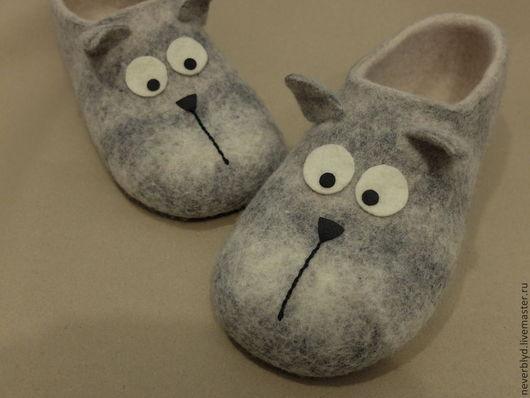 """Обувь ручной работы. Ярмарка Мастеров - ручная работа. Купить Тапки """"Котики"""". Handmade. Серый, котик, шерсть овечья"""