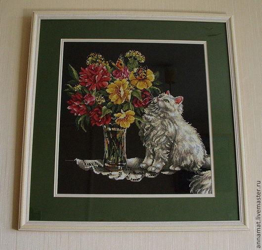Животные ручной работы. Ярмарка Мастеров - ручная работа. Купить Вышивка крестом Cat and Flowers (Кот и цветы). Handmade.