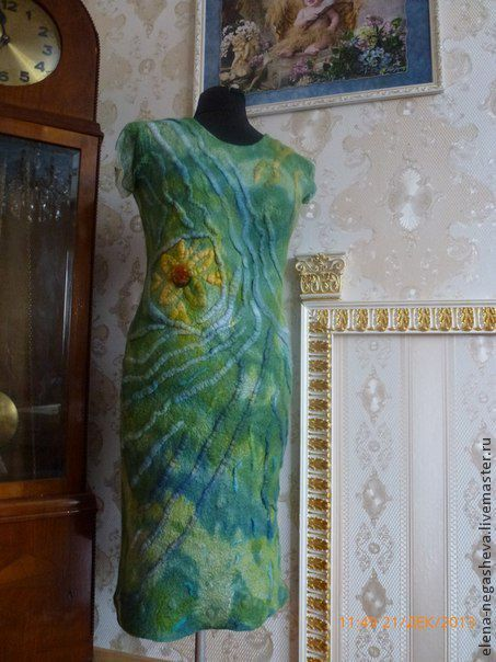 Красивое шерстяное легкое валяное платье, ламинированное натуральным шелком