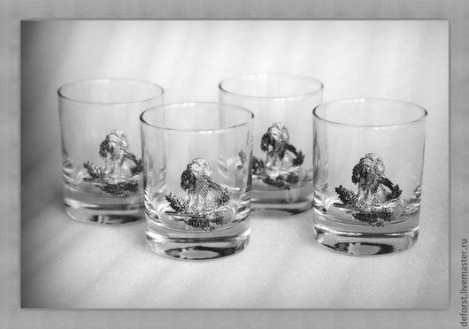 """Набор стаканов для виски 42435""""Удачная охота». Объём стаканов 220мл. Барельеф - сплав олова. В упаковке «Престиж»."""