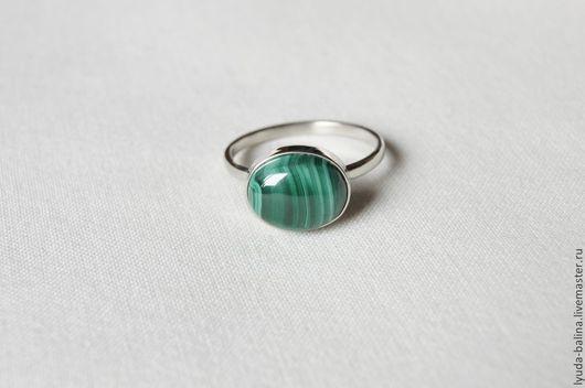 """Кольца ручной работы. Ярмарка Мастеров - ручная работа. Купить """"Зеленый муар"""" кольцо с малахитом. Handmade. Зеленый, кольцо, иризация"""