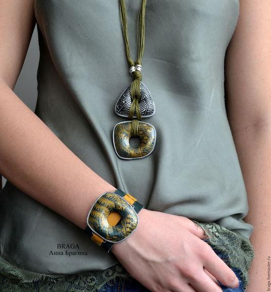 Кулоны, подвески ручной работы. Ярмарка Мастеров - ручная работа. Купить Кулон на длинном шнуре. Золото с зеленым.. Handmade. Хаки