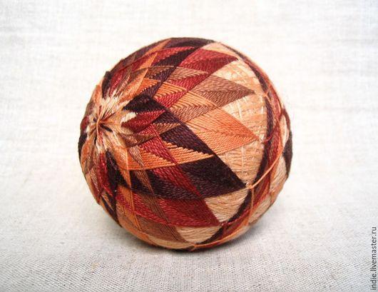 """Темари ручной работы. Ярмарка Мастеров - ручная работа. Купить Темари """"У камина"""". Handmade. Шар, сувенир, коричневый, мяч"""
