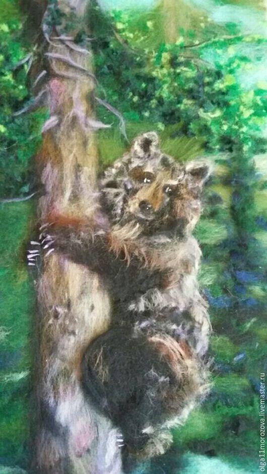 """Животные ручной работы. Ярмарка Мастеров - ручная работа. Купить Картина из шерсти""""Мишка на дереве"""". Handmade. Тёмно-зелёный, медвежонок"""