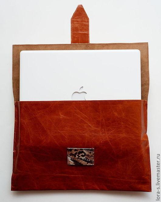 Мужские сумки ручной работы. Ярмарка Мастеров - ручная работа. Купить Кожаный футляр для ноутбука и очешник. Handmade. Коричневый
