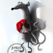 Мягкие игрушки ручной работы. Ярмарка Мастеров - ручная работа Мышь - магнит на холодильник. Handmade.