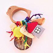 Куклы и игрушки ручной работы. Ярмарка Мастеров - ручная работа Буковый грызунок Птичка с подвесками - погремушками из разных бусин. Handmade.