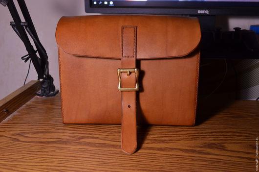 Мужские сумки ручной работы. Ярмарка Мастеров - ручная работа. Купить Сумка с ремешком через плечо. Handmade. Оранжевый