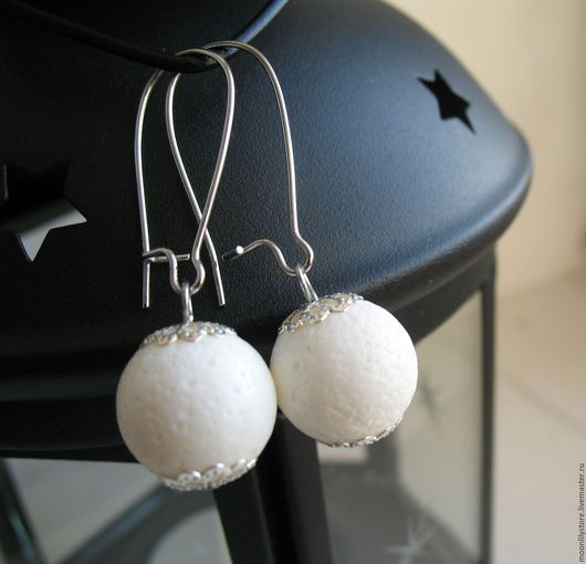 Серьги ручной работы. Ярмарка Мастеров - ручная работа. Купить Серьги Snowballs. Handmade. Белый коралл, Простые серьги