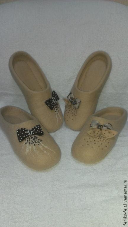 """Обувь ручной работы. Ярмарка Мастеров - ручная работа. Купить Тапочки """"Кофе со сливками"""". Handmade. Бежевый, бисер"""
