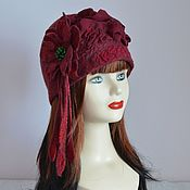 Аксессуары handmade. Livemaster - original item Felted maroon hat with flower Bordeaux. Handmade.