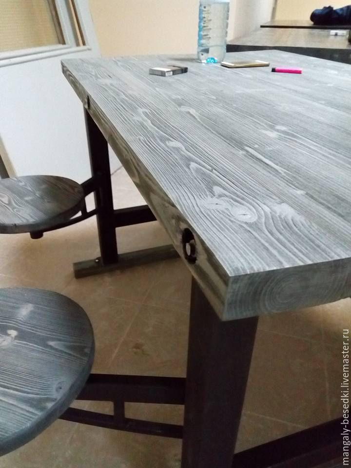 Стол в стиле лофт - трансформер. Оригинальное дизайнерское решение, очень стильное и надежное. Покрыт эко- маслом осмо. Стильная вещь.