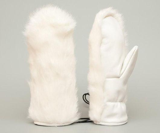 Меховые варежки из меха кролика и натуральной телячьей кожи.
