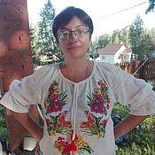 Рубашки ручной работы. Ярмарка Мастеров - ручная работа Блузка с полноцветной вышивкой. Полевые цветы. Handmade.