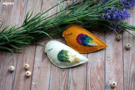 """Броши ручной работы. Ярмарка Мастеров - ручная работа. Купить Брошки """"Осенние птички"""". Handmade. Комбинированный, фетровая брошь, подарок"""