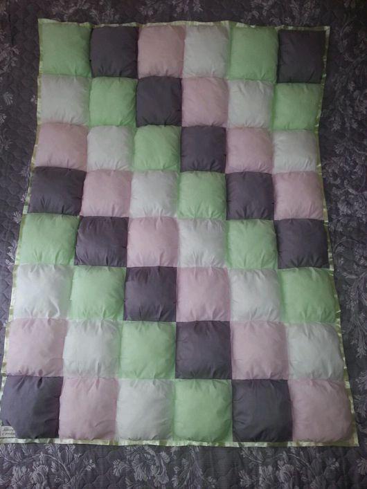 Пледы и одеяла ручной работы. Ярмарка Мастеров - ручная работа. Купить Детское лоскутное одеяло бомбон. Handmade. Детское
