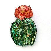 Аппликации ручной работы. Ярмарка Мастеров - ручная работа Авторская нашивка (аппликация) ручной работы Цветущий кактус. Handmade.