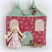 Куклы и игрушки ручной работы. Ярмарка Мастеров - ручная работа Домик-сумочка для куколки с собачкой. Handmade.