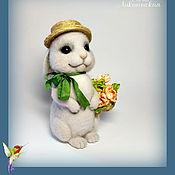 Куклы и игрушки ручной работы. Ярмарка Мастеров - ручная работа Валяная игрушка кролик Патрик (валяная игрушка, белый кролик). Handmade.