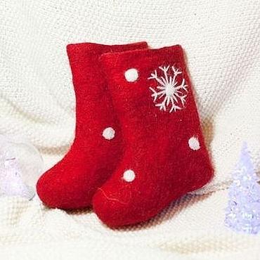 Обувь ручной работы. Ярмарка Мастеров - ручная работа Детские синие и красные валенки со снежинками.. Handmade.