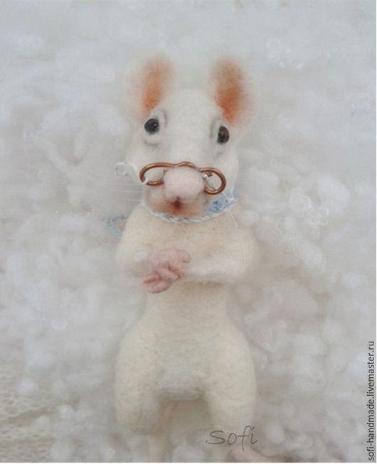 Игрушки животные, ручной работы. Ярмарка Мастеров - ручная работа. Купить Mr.Rat. Handmade. Белый, подарок девушке, felting