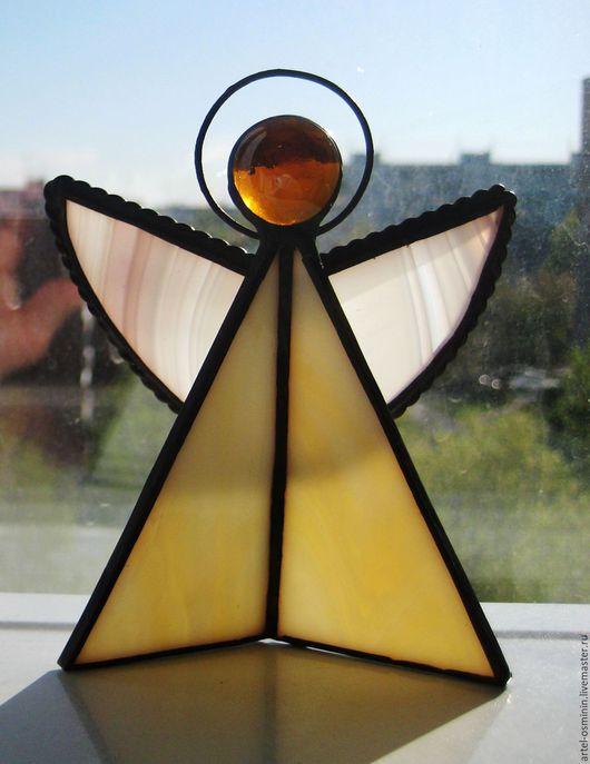Солнечный ангел. Совсем небольшой витражный сувенир, но сделанный с большой любовью!