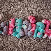 Куклы и игрушки ручной работы. Ярмарка Мастеров - ручная работа Киска и зайка и другие малыши крючком. Handmade.